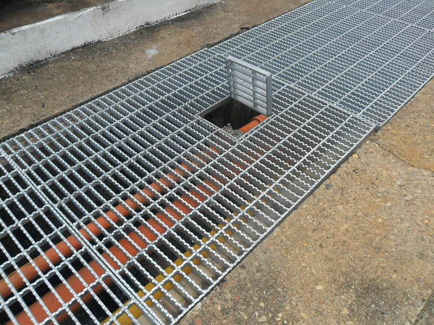 Galvanized-Trafficable-Steel-Grating-for-Floor